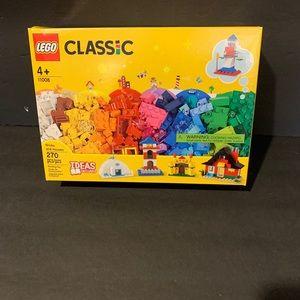 LEGO Classic Bricks and Houses